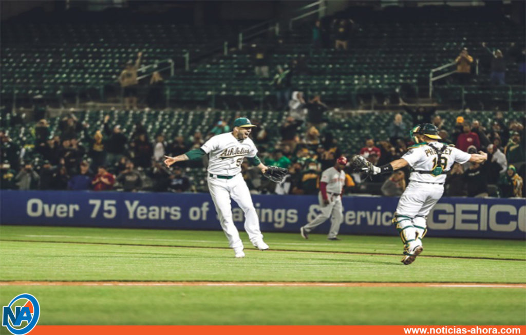 Mike Fiers no hit